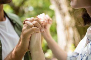 Stres przed niechcianą ciążą - jak pomóc Partnerce
